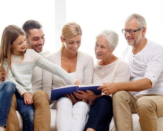 Rodzina, przyjaciele i sąsiedzi